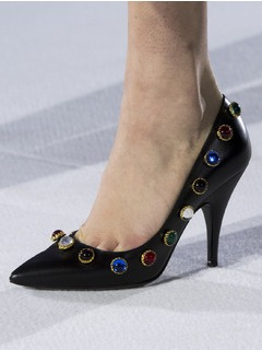 2019-20秋冬(AW)Moschino女鞋单鞋T台