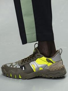 2020SSValentino男鞋单鞋T台