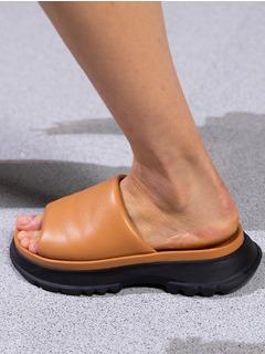 2020SSGivenchy女鞋鱼嘴T台