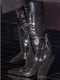 2020-21秋冬(AW)Burberry女鞋靴子T台