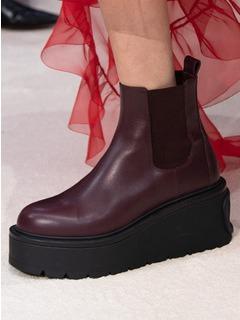 20/21秋冬Valentino女鞋靴子T台