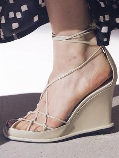20/21秋冬Givenchy女鞋凉鞋T台