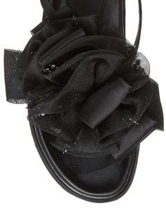 女鞋细节展示