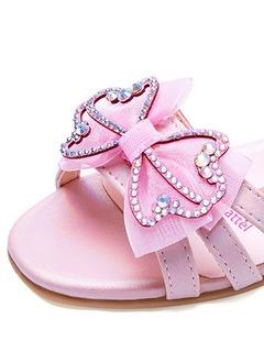 童鞋细节展示