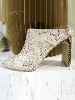 2020年2月纽约女鞋拖鞋展会跟踪227600